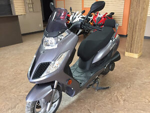 2009 Kymco Frost 200I Scooter (Gas)