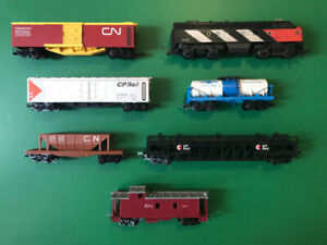 SOLD--HO scale model train, engine, cars, track, power + accsry