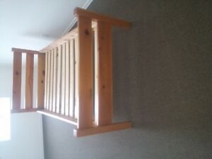 BEAUTIFUL SINGLE PINE BED FRAME/HEAD AND FOOT BOARDS RAILS/