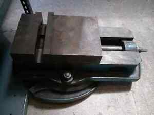 "8"" milling machine (Bridgeport) vise with swivel"