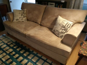 NICE NEUTRAL SOFA COUCH FROM LEON