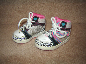 Baby, Toddler Girls Shoes and Boots - sizes 2, 3, 4, 5, 6, 8 Strathcona County Edmonton Area image 5