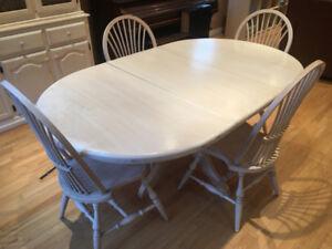 7 Piece Oak Antiqued Dining Set (CAN DELIVER)