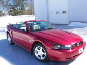 2004 Ford Mustang Convertible Coupé (2 portes)