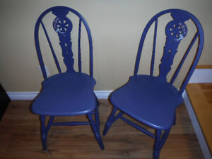 2 Vintage chairs - hand painted (tole)