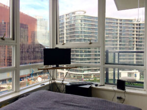 Room for rent in Yaletown Oct 1st
