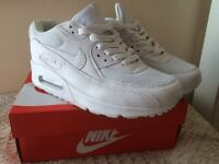 White Nike air max trainers size 5 like new