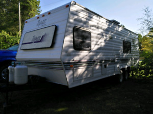 27ft Topaz Triple E travel trailer with bunks,