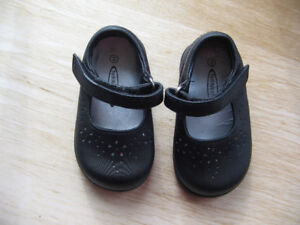 GIRL'S DRESS SHOES