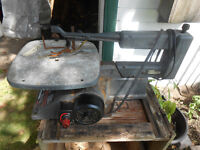 """Craftsman 16 """" Variable Speed Scroll saw."""