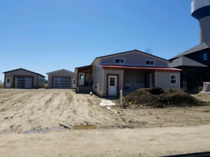 BRAND NEW 3 BEDROOM DUPLEXES AVAILABLE AUGUST 1ST IN CLIFFORD