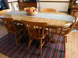 Stunning extendable farmhouse real wood table and 6 chairs