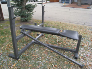 BODY SMITH HEAVY DUTY OLYMPIC INCLINE/DECLINE WEIGHT BENCH with