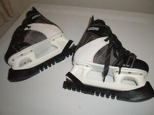 a561ea8c7b1 Ice Skates CCM Intruder 55 Junior Skate Size 3