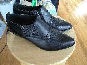 new LEATHER size 7 shoes