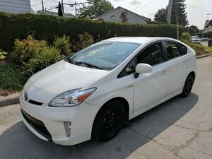 2013 Toyota Prius hybrid tres tres economique