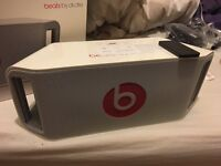 Dr dre beats box WHITE