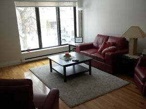 SPACIOUS OPEN CONCEPT 4.5 CONDO WITH PARKING SPACE