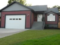 Beautiful spacious five bedroom house in Taber