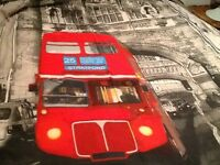King size London Bridge London bus 2 pillows cases