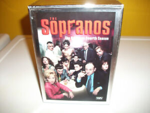 THE SOPRANO'S SEASON 4 BOX SET,4 VHS TAPES. EXCELLENT SHAPE.