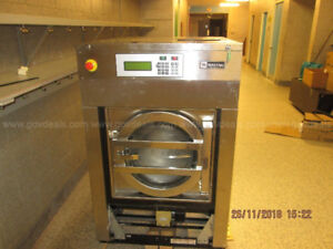Maytag 35lb Commercial Laundry Washer & Dryer