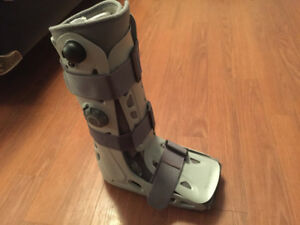 Aircast Walking Boot Size Large