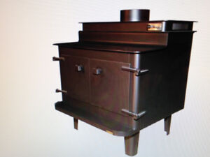 wood stove REVERSO 45 made in Toronto