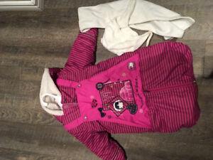 Pochette/suit d'hiver pour bébé fille