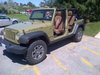 2013 JEEP Unlimited Rubicon Only 25k FULLY LOADED
