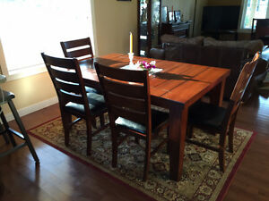 BeautifulWood dining set.