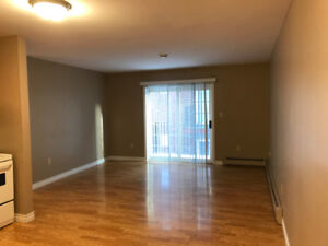 02 Bedroom Apt.   01 Minute to UPEI.  Jan/Feb 2019