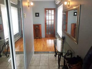 Magnifique logement 4 1/2 à louer - Disponible maintenant !