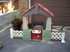 Little Tikes - Play House