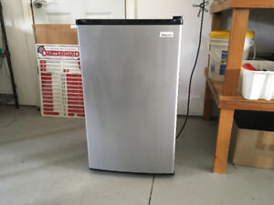 STAINLESS STEEL FRIDGE PORT PERRY