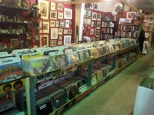 1000's of Vinyl Records @ Edmonton's Rocky Mountain Antique Mall