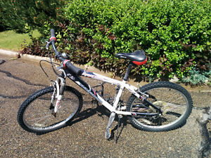 Mountain Bike Perfect for 11 to 15 year old boys