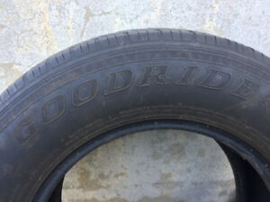 4 Tires for Sale - 4 Pneus à vendre P255/65R16 109H