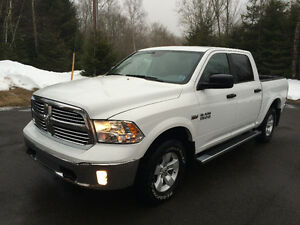 2016 Ram 1500 Outdoorsman 1500 4X4 only 11,000 kms