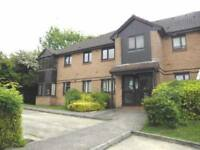 1 bedroom flat in Bornedene, Potters Bar, Hertfordshire, EN6