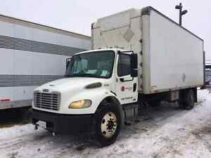 Freightliner M2 5 Ton with power tail gate 2006