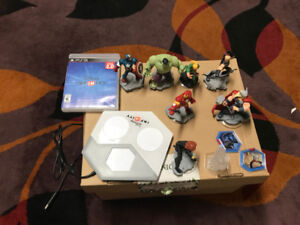 Disney Infinity 2.0 portal, games and figures