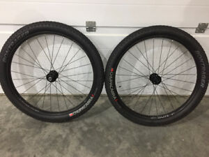 2016 27.5+ Sun Ringle Duroc 40 BOOST Wheelset with Tires