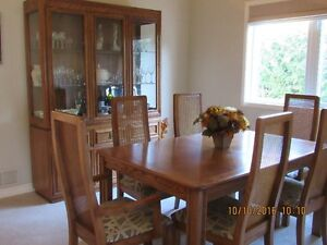 Immaculate, Oak Dining Room Suite
