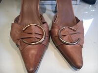 Tan court shoes size 6