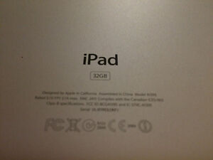Apple iPad 2 MC980LL/A Tablet (32GB, Wifi, White) 2nd Generation West Island Greater Montréal image 3