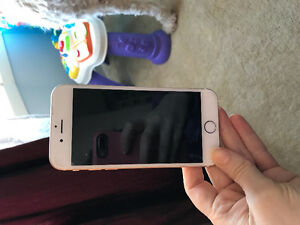 iPhone 6 16 GB gold $420 mint condition UNLOCKED