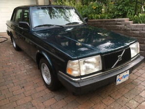 1992 Mint Condition Volvo 240 Sedan Automatic Transmission