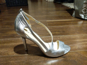 Nine west high heels, silver - size 7.5