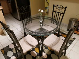 Glass Dining/Kitchen table &chairs  $100